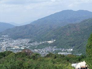 ブログ 青蓮院門跡より 比叡山を望む2 DSCF0252.JPG